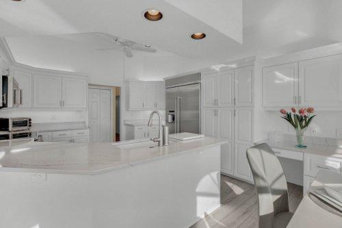 5918-Skimmer-Point-Blvd.-S-Gulfport--FL-33707--20--Kitchen-1----2.jpg