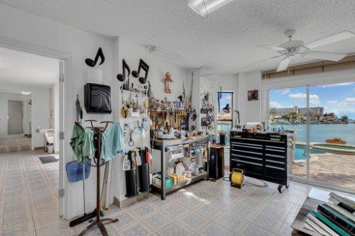 5918-Skimmer-Point-Blvd.-S-Gulfport--FL-33707--42--Work-Shop.jpg