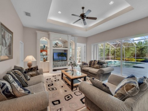 8190-Lake-Ross-Ln--Sanford--FL-32771----13---Family-Room.jpg
