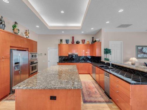 8190-Lake-Ross-Ln--Sanford--FL-32771----16---Kitchen.jpg