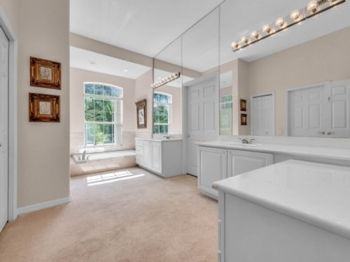 8190-Lake-Ross-Ln--Sanford--FL-32771----26---Master-Bathroom.jpg