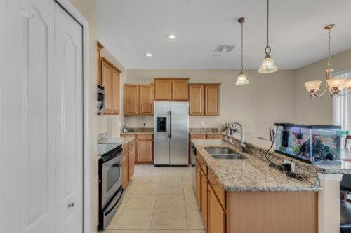 1336-Lattimore-Dr--Clermont--FL-34711----09---Kitchen.jpg
