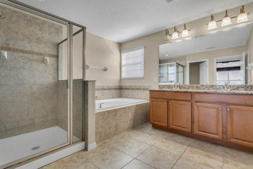 1336-Lattimore-Dr--Clermont--FL-34711----19---Master-Bathroom.jpg