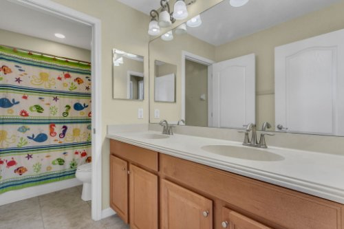 1336-Lattimore-Dr--Clermont--FL-34711----23---Bathroom.jpg