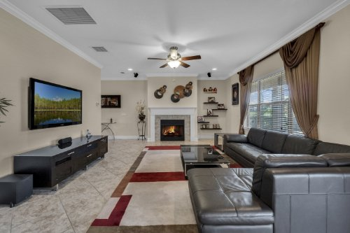 742-Cristaldi-Way--Longwood--FL-32779---11---Family-Room-copy.jpg