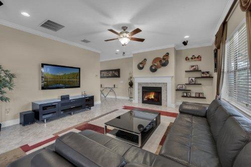 742-Cristaldi-Way--Longwood--FL-32779---12---Family-Room.jpg
