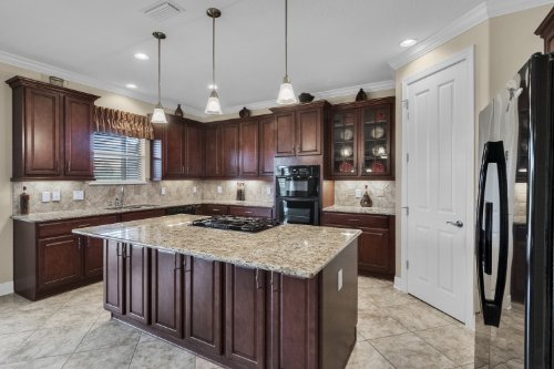 742-Cristaldi-Way--Longwood--FL-32779---17---Kitchen.jpg