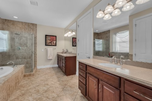 742-Cristaldi-Way--Longwood--FL-32779---24---Master-Bathroom.jpg