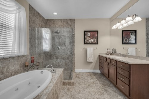 742-Cristaldi-Way--Longwood--FL-32779---25---Master-Bathroom.jpg