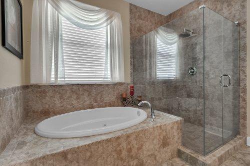 742-Cristaldi-Way--Longwood--FL-32779---26---Master-Bathroom.jpg
