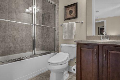 742-Cristaldi-Way--Longwood--FL-32779---34---Bathroom.jpg