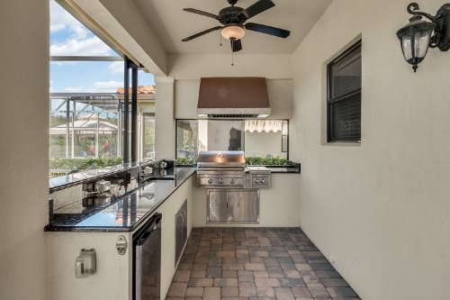 742-Cristaldi-Way--Longwood--FL-32779---42---Summer-Kitchen.jpg