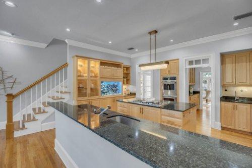 4805-W-Woodmere-Rd.-Tampa--FL-33609--14--Kitchen-1----4.jpg
