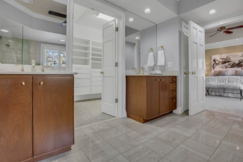 4805-W-Woodmere-Rd.-Tampa--FL-33609--33--Owner-s-Bath-1----3.jpg