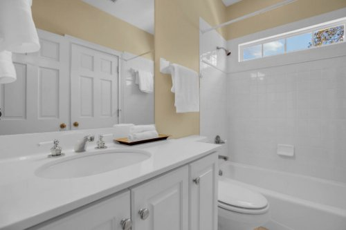 4805-W-Woodmere-Rd.-Tampa--FL-33609--38--Bedroom-2-Ensuite.jpg