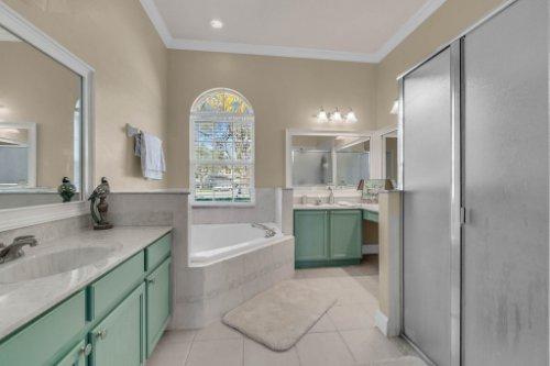 2801-Strand-Loop-Ct--Oviedo--FL-32765---24---Master-Bathroom.jpg