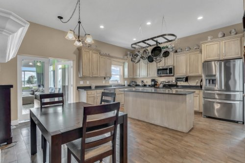 18914-Starcrest-Ln--Clermont--FL-34715----08---Kitchen.jpg