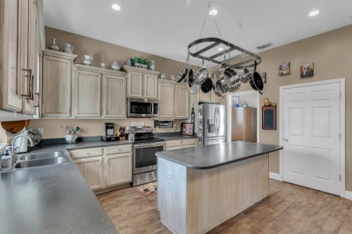 18914-Starcrest-Ln--Clermont--FL-34715----11---Kitchen.jpg
