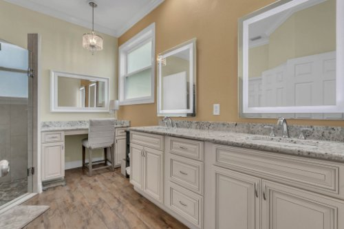 18914-Starcrest-Ln--Clermont--FL-34715----19---Master-Bathroom.jpg