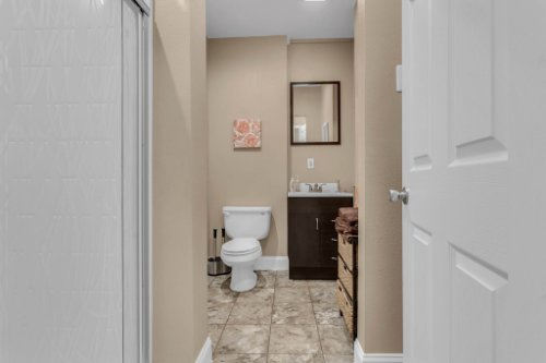 18914-Starcrest-Ln--Clermont--FL-34715----29---Bathroom.jpg