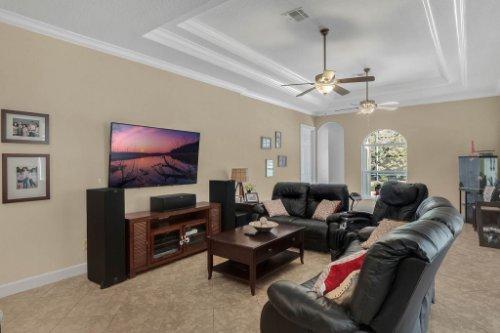 8578-Cypress-Ridge-Ct--Sanford--FL-32771----16---Family-Room.jpg