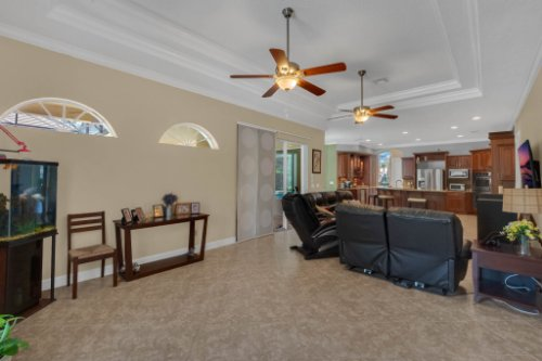 8578-Cypress-Ridge-Ct--Sanford--FL-32771----19---Family-Room.jpg
