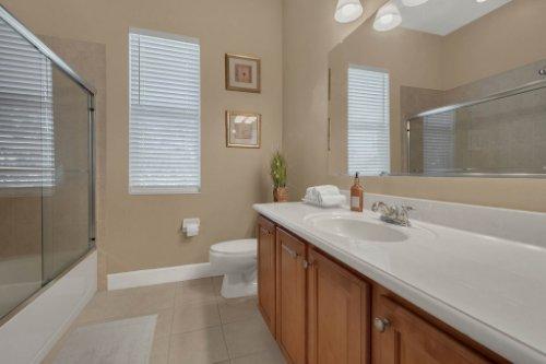 8578-Cypress-Ridge-Ct--Sanford--FL-32771----25---Bathroom.jpg