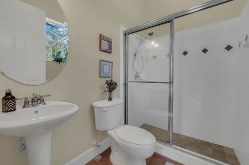 8578-Cypress-Ridge-Ct--Sanford--FL-32771----26---Bathroom.jpg