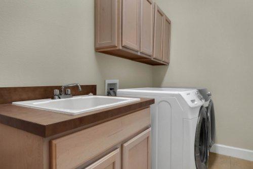 8578-Cypress-Ridge-Ct--Sanford--FL-32771----28---Laundry.jpg