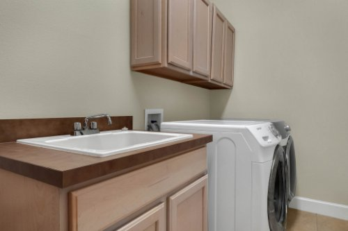 8578-Cypress-Ridge-Ct--Sanford--FL-32771----28---Laundry.jpg