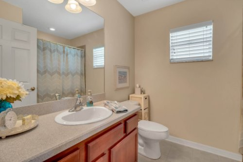 1625-Stoneywood-Way--Apopka--FL-32712----17---Bathroom.jpg