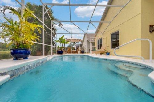 7909-Oakstone-Ct--Orlando--FL-32822----06---Pool.jpg