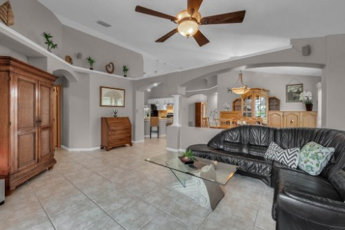 7909-Oakstone-Ct--Orlando--FL-32822----13---Family-Room.jpg