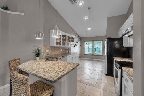 7909-Oakstone-Ct--Orlando--FL-32822----16---Kitchen.jpg