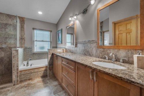 7909-Oakstone-Ct--Orlando--FL-32822----20---Master-Bathroom.jpg