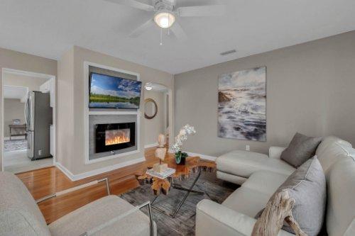 1103-Briercliff-Dr--Orlando--FL-32806-Aerial----08---Family-Room.jpg