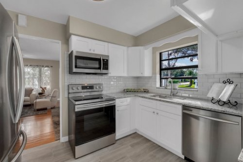 1103-Briercliff-Dr--Orlando--FL-32806-Aerial----13---Kitchen.jpg
