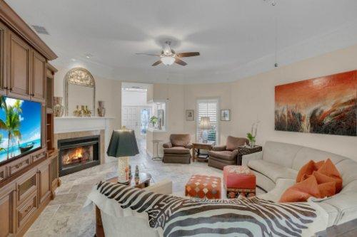 2706-Chambray-Ln.-Tampa--FL-33611--07--Living-Room-1----3.jpg