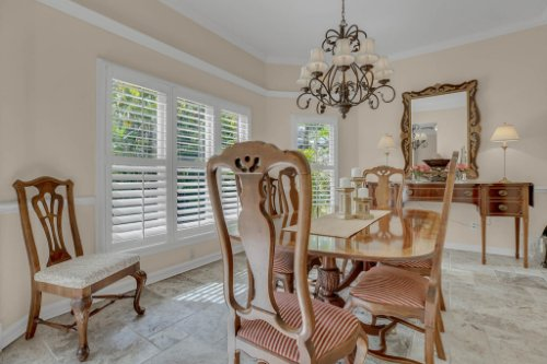 2706-Chambray-Ln.-Tampa--FL-33611--09--Dining-Room-1---1.jpg