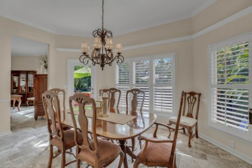 2706-Chambray-Ln.-Tampa--FL-33611--10--Dining-Room-1---2.jpg