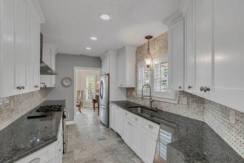 2706-Chambray-Ln.-Tampa--FL-33611--13--Kitchen-1----2.jpg