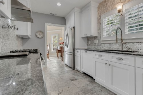 2706-Chambray-Ln.-Tampa--FL-33611--15--Kitchen-1-----4.jpg
