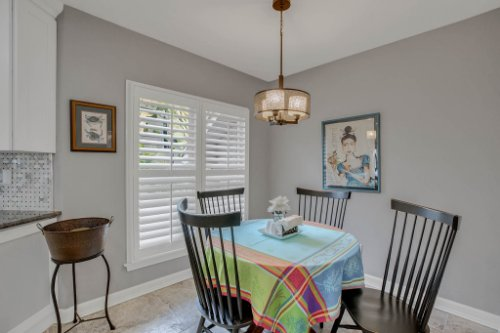 2706-Chambray-Ln.-Tampa--FL-33611--17--Breakfast-Nook.jpg