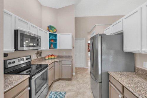948-Woodcraft-Dr--Apopka--FL-32712---10---Kitchen.jpg