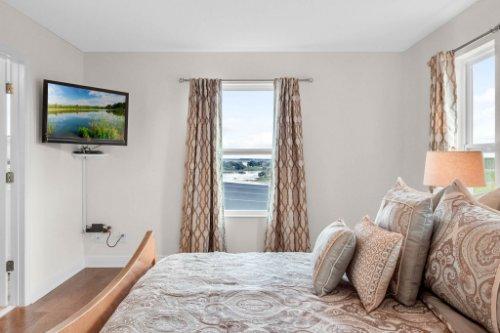 9819-Royal-Vista-Ave--Clermont--FL-34711----10---Master-Bedroom.jpg