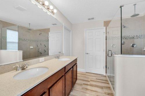 9819-Royal-Vista-Ave--Clermont--FL-34711----13---Master-Bathroom.jpg