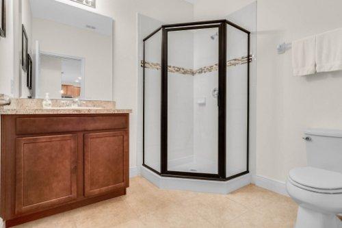 9819-Royal-Vista-Ave--Clermont--FL-34711----23---Bathroom.jpg
