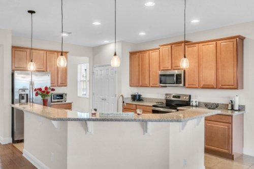 9819-Royal-Vista-Ave--Clermont--FL-34711----27---Kitchen.jpg