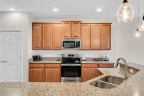 9819-Royal-Vista-Ave--Clermont--FL-34711----29---Kitchen.jpg