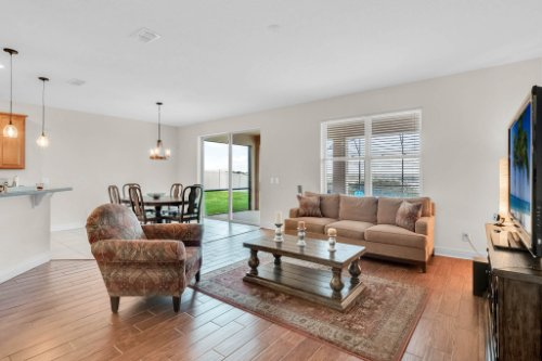 9819-Royal-Vista-Ave--Clermont--FL-34711----32---Family-Room.jpg